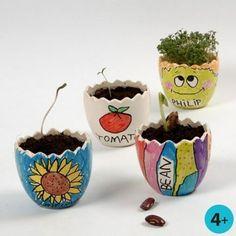 Idee 18 - Vrolijke planten potjes in de vorm van een half ei.