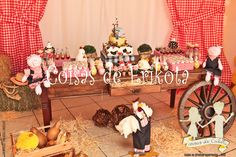Resultado de imagem para festa fazendinha Farm Party, Table Decorations, Country, Toddler Girls, Stuff Stuff, Farmhouse, Parties, Animales, Rural Area