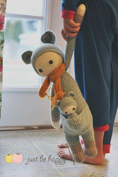 crochet doll Ravelry: Project Gallery for KIRA - lalylala crochet pattern N° VII - Kangaroo pattern by Lydia Tresselt - Say hello to KIRA!Flower girl mod made by Irene J. / based on a lalylala crochet patternKIRA the kangaroo made by justbehappy / c Crochet Diy, Crochet Amigurumi, Amigurumi Doll, Crochet For Kids, Crochet Dolls, Amigurumi Tutorial, Crochet Mignon, Knitting Patterns, Crochet Patterns