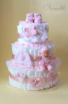 Baby shower ides diy centerpieces diaper cakes 64 ideas - Diapers - Ideas of Diapers Cadeau Baby Shower, Idee Baby Shower, Baby Shower Crafts, Baby Shower Gift Basket, Baby Shower Diapers, Baby Boy Shower, Girl Gift Baskets, Diaper Cake Boy, Diaper Cakes