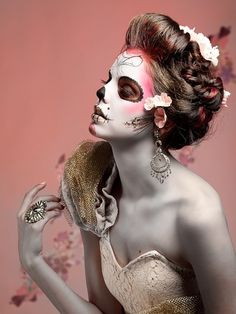 Jamie Warmanberg posted Halloween Day of the Dead Dia de los Muertos skull makeup face paint rose pink grey to his -make up tips- postboard via the Juxtapost bookmarklet. Creepy Makeup, Dead Makeup, Skull Makeup, Makeup Art, Hair Makeup, Makeup Ideas, Zombie Makeup, Pink Makeup, Hallowen Schminke