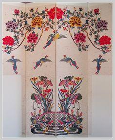 Bingata screen - Okinawan fabric, Ryukyu Isalands Textile Patterns, Textile Art, Textiles, Japan Art, Japan Japan, Okinawa Japan, Japanese Prints, Traditional Design, Cat Art