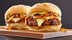 5 Napkin is a relatively new burger chain located in Boston, New York, Atlanta, and Miami. This recipe is a take on their Signature Burger.