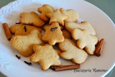 Fursecuri cu miere si scortisoara Baby Food Recipes, Cooking Recipes, Gingerbread Cookies, Biscuits, Deserts, Health Fitness, Food And Drink, Sweets, Baking