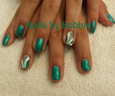 Shellac nails with art