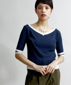 【WEGO/オフショルダーVネックニット】人気のオフショルダーを春夏仕様の5分袖にしたニット。柔らかな肌…