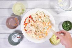 This creamy pasta salad recipe is just like the one sold in supermarkets. Creamy Pasta Salads, Pasta Salad Recipes, Fresco, Christmas Pasta, Christmas Lunch, Lebanese Salad, K Food, Side Recipes, Kingston Biscuits