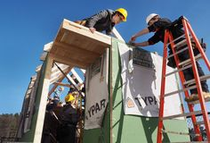 EXETER — HGTV should listen up. New Hampshire has a new generation of young tiny house builders.Juniors and seniors at the Seacoast School of