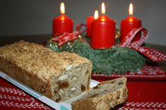 Früchtebrot de Noël (pain aux pommes, fruits secs, cannelle)