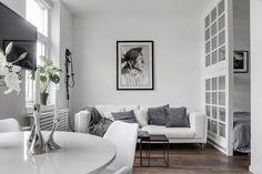 BJ3 sofa con cojines grises