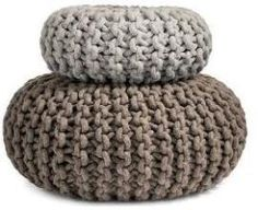 Flocks Poufs take knitting to extremes. Using extra-large knitting needles produced specifically for her enterprise, Christien Meindertsma's Flocks Pouf is hand knit using strong wool … Pouf En Crochet, Crochet Motifs, Knitted Pouffe, Knitting Projects, Knitting Patterns, Crochet Patterns, Giant Knitting, Baby Knitting, Knitting Needles