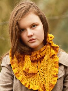 Knit a ruffle-edged shawl :: Free knitting pattern :: UK knitting patterns