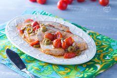 Il pesce spada alla siciliana, o alla messinese, è una ricetta tipica della Sicilia. Un secondo piatto delizioso con un sughetto irresistibile!
