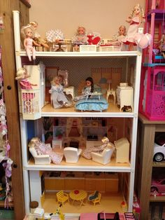 Finished bedroom. Sindy Doll, Barbie, When You Were Young, Vintage Vibes, Beautiful Dolls, Vintage Toys, Graffiti, Daisy, Nostalgia