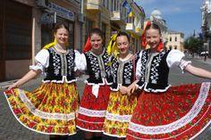 Šariš region, Eastern Slovakia. Folk Fashion, Modern Fashion, Folk Costume, Costumes, Traditional Outfits, Lace Skirt, Personal Style, Culture, Facebook Instagram