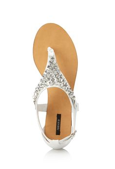 FOREVER 21 Touch-of-Glam Sandals from Forever Saved to sandals/ flip flops. Girly Girl, Jeans Style, Flip Flop Sandals, What To Wear, Forever 21, Footwear, My Style, Accessories, Shoes