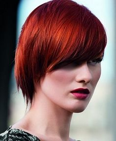 Hair color has added oomph, glamour and chutzpah to the fashion industry and has taken the hair care arena by storm. Here are some of the popular hair color trends that are dominating the world of fashion. Hair Color For Women, Red Hair Color, Cool Hair Color, Hair Colors, Red Color, Latest Hairstyles, Cool Hairstyles, Medium Hairstyles, Color Fantasia