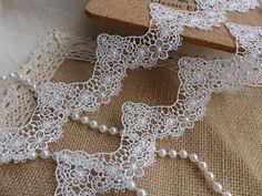 Off white Lace Trim, Venise Flower Lace Scalloped Trim, Bridal Dress Veils Lace Fabric Trim    This listing is for 1 yard. Width: 1.77 (4.5 cm)