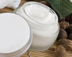 Crème hydratante pour le visage au beurre de karité spécial peaux sèches : http://www.fourchette-et-bikini.fr/recettes/recettes-minceur/creme-hydratante-pour-le-visage-au-beurre-de-karite-special-peaux-seches