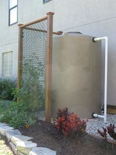 Rain water harvesting system with 865 gallon rain barrel DIY Rainwater Harvesting System, Water From Air, Natural Farming, Water Collection, Water Storage, Water Conservation, Water Systems, Backyard Landscaping, Organic Gardening