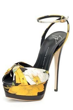 Vicini - Guiseppe Zanotti Shoes - 2012 Spring-Summer #giuseppezanottiheelswhite