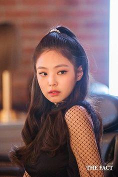 181007 Mise en scene x Blackpink Blackpink Jennie, Kpop Girl Groups, Kpop Girls, Girls Generation, Korean Girl, Asian Girl, Asian Woman, Lisa Black Pink, Blackpink Photos