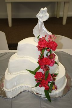 Paisley Wedding Cake - White cake with all buttercream and live flowers