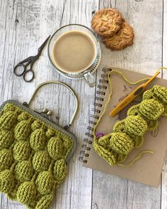 Marvelous Crochet A Shell Stitch Purse Bag Ideas. Wonderful Crochet A Shell Stitch Purse Bag Ideas. Crochet Clutch Bags, Crochet Wallet, Crochet Baby Bibs, Crochet Purse Patterns, Crochet Motifs, Crochet Handbags, Crochet Purses, Crochet Gifts, Crochet Clothes