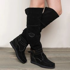 Shoe Type Boots Toe Type Round Toe Closure Type Slip-on Heel Type Low Heel Gender Women Style Casual Theme Fall Winter Occasion Going out,Date Mid Calf Boots, Knee High Boots, Punk Boots, Women's Boots, Cowgirl Boots, Flat Heel Boots, Winter Heels, Comfortable Boots, Buckle Boots