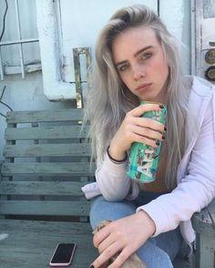 Billie eilish is queen 👑 Billie Eilish, Pretty People, Beautiful People, Model Tips, Videos Instagram, Instagram Models, Ikon, Foto E Video, Girl Crushes