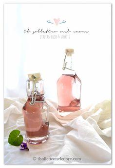 violet syrup recipe Syrup, Italian Recipes, Yogurt, Alcoholic Drinks, Wine, Glass, Food, Drinkware, Corning Glass