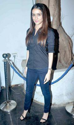 Shraddha Kapoor at a party to celebrate 'Haider's National Award win. Bollywood Photos, Bollywood Stars, Bollywood Fashion, Beautiful Bollywood Actress, Most Beautiful Indian Actress, Shraddha Kapoor Saree, Girl Outfits, Fashion Outfits, Fasion
