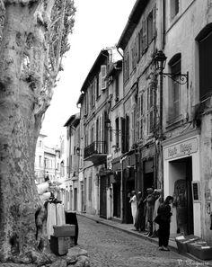 Rua dos Tintureiros (Rue des Teinteuriers), Avignon, França, Foto de Véva Nogueira