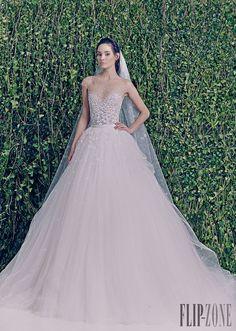Zuhair Murad Outono-Inverno 2014-2015 - Nupcial - http://pt.flip-zone.com/fashion/bridal/couture/zuhair-murad-4387