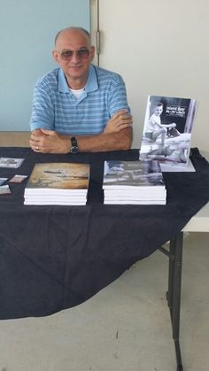 Arnold van Beverhoudt at the book-signing at the Owl and the Seahorse in Crown Bay, St. Thomas, Virgin Islands