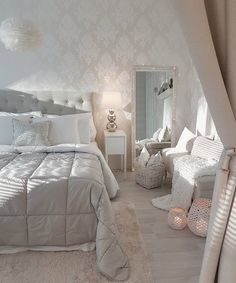Luxury Tufted Bed home decor Home Decor Furniture, Bedroom Furniture, Bedroom Decor, Bedroom Ideas, My New Room, Beautiful Bedrooms, Dream Bedroom, Room Inspiration, House Design