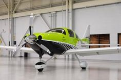 First production units of Cessna TTx aircraft delivered Cabin Crew Jobs, Cessna Aircraft, Bush Pilot, Light Sport Aircraft, Small Airplanes, Airplane Wallpaper, Plane Photos, Airplane Flying, Air Festival
