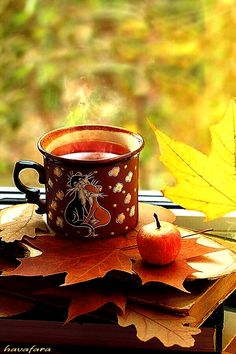 GIF by Mani Ivanov. Discover all images by Mani Ivanov. Autumn Tea, Autumn Coffee, Autumn Cozy, Autumn Leaves, Autumn Rain, Coffee Gif, Coffee Love, Coffee Images, Coffee Break