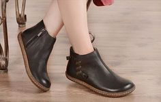 Handmade Flat Shoes for Women, Oxford Shoes, Ankle Booties,Women Leather Shoes Very Comfortable More Shoes: https://www.etsy.com/shop/HerHis?ref=shopsection_shophome_leftnav ♥♥♥♥♥♥If you do not know which size you need to choose, please tell me the size you usually wear in your country or the length of your feet, I would recommend you the size which is fit for your feet.;-) PLEASE NOTE THAT the foot must be firmly on the floor when you measure the length and width ...