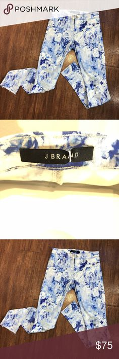 J Brand Blue Floral Destroyed Jeans NWOT Sz 25 Brand new, Never Worn. Frayed at the knees. Raw hem.   Inseam 29 J Brand Jeans Skinny