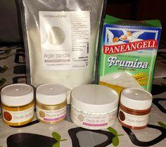 Oggi ho deciso di trattare un argomento che trovo molto interessante : fare i cosmetici in casa!  :) In particolare,circa 1 mese fa ho decis...
