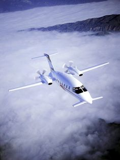 Piaggio Avanti II, The fastest Turboprop, pusher turbo, 20% of the lift comes from the fuselage, 400kts and Canards! Gotta love the canards!