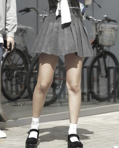 japenese street fashion Alexandra Palace, Street Fashion, Skater Skirt, Champion, Mini Skirts, Street Style, Urban Fashion, Urban Style, Skater Skirts