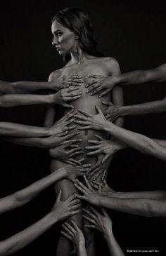 Afbeeldingsresultaat voor many hands on nude body