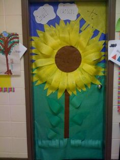 """@Jennifer Thibault, we could do the petals of the sunflower instead of the seeds... """"Countdown to Summer"""" sunflower door display"""