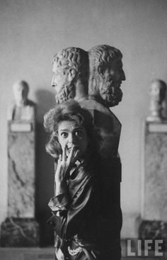 Melina Mercouri Photography Lessons, Artistic Photography, White Photography, True Art, Famous Women, Archetypes, Photomontage, Bronze, Close Image