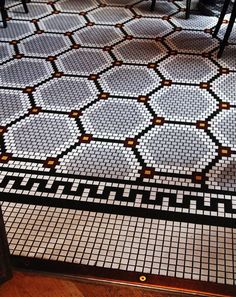 US Design: Wythe Hotel in Williamsburg mosaic for powder floor Floor Patterns, Tile Patterns, Floor Design, Tile Design, Wythe Hotel, Hotel Door, Penny Tile, Walk In Shower Designs, Fireplace Remodel