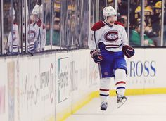 And here he is again: Brendan Gallagher, shootout winner for the Habs against the Bruins Montreal Canadiens, Hockey Players, My Idol, Cool Photos, Baseball Cards, Sports, Brendan Gallagher, Hockey Stuff, Tops