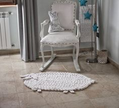 This Sheep Nursery Rug is perfect for your modern nursery! Rug is beautifully textured with cluster stitches to resemble a lambs coat. This lamb rug is a unique baby shower gift or birthday gift. This product, as well as all products in my shop, is Made in Italy by me. Rug is made in a pet-free and smoke-free home.  Size: 1m long (head to tail) 62cm wide (1 yardd x 24.4in wide)  Material is t-shirt yarn-100% cotton. The t-shirt yarn I use is recycled 100% cotton and is passed down from the…