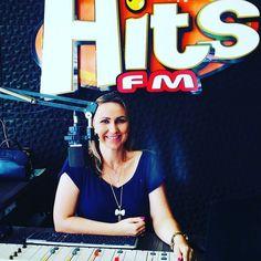 De segunda à  sexta das 11h  muita informação música boa e as fofocas do mundo dos famosos no programa Conexão Hits com Franciele Carvalho. Participe pedindo a sua música pelo whats app 9 9928 2990.